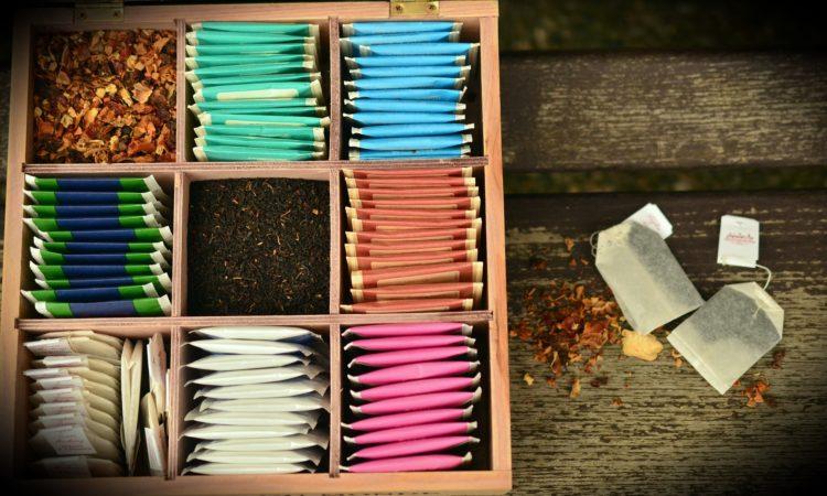 zestaw herbat w pudełku